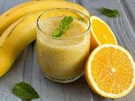Смути с райска ябълка, банан, портокал и йогурт (кисело мляко)